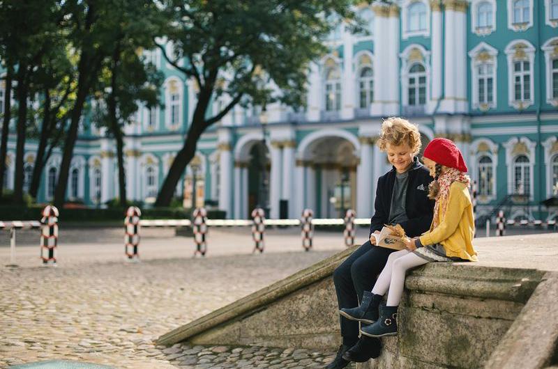 В Петербург с детьми.